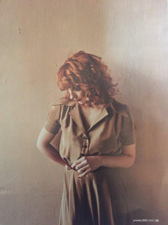 Vica Kerekes všatech Francesca vnovém vydáni magazinu For Men,šaty Francesca vprodeji vshowroomu vrůzných barvách