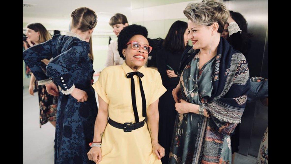 hedvábné žluté šaty Anya (vel.s am) vprodeji vshowroomu