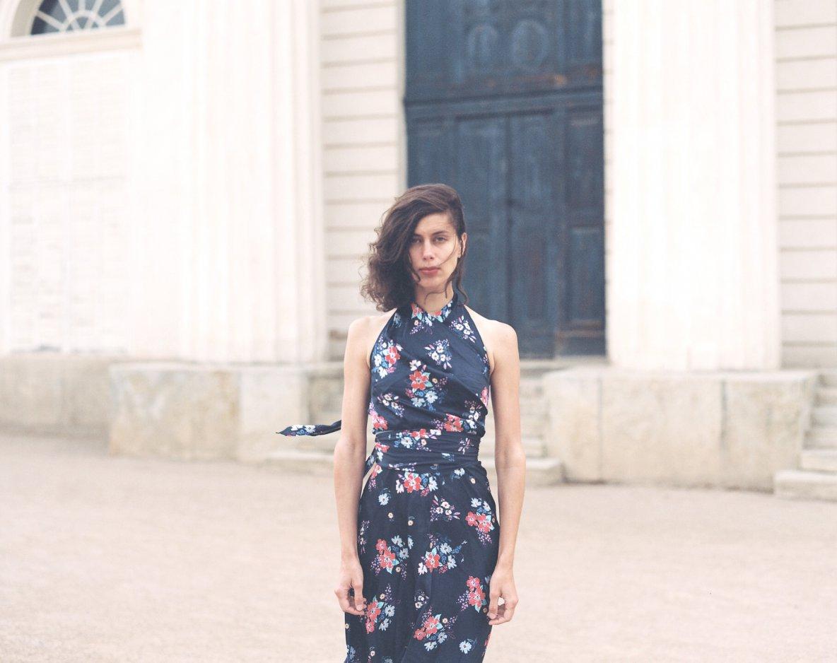 Šaty Hermína vlentí verzi ajiné květované šaty vshowroomu