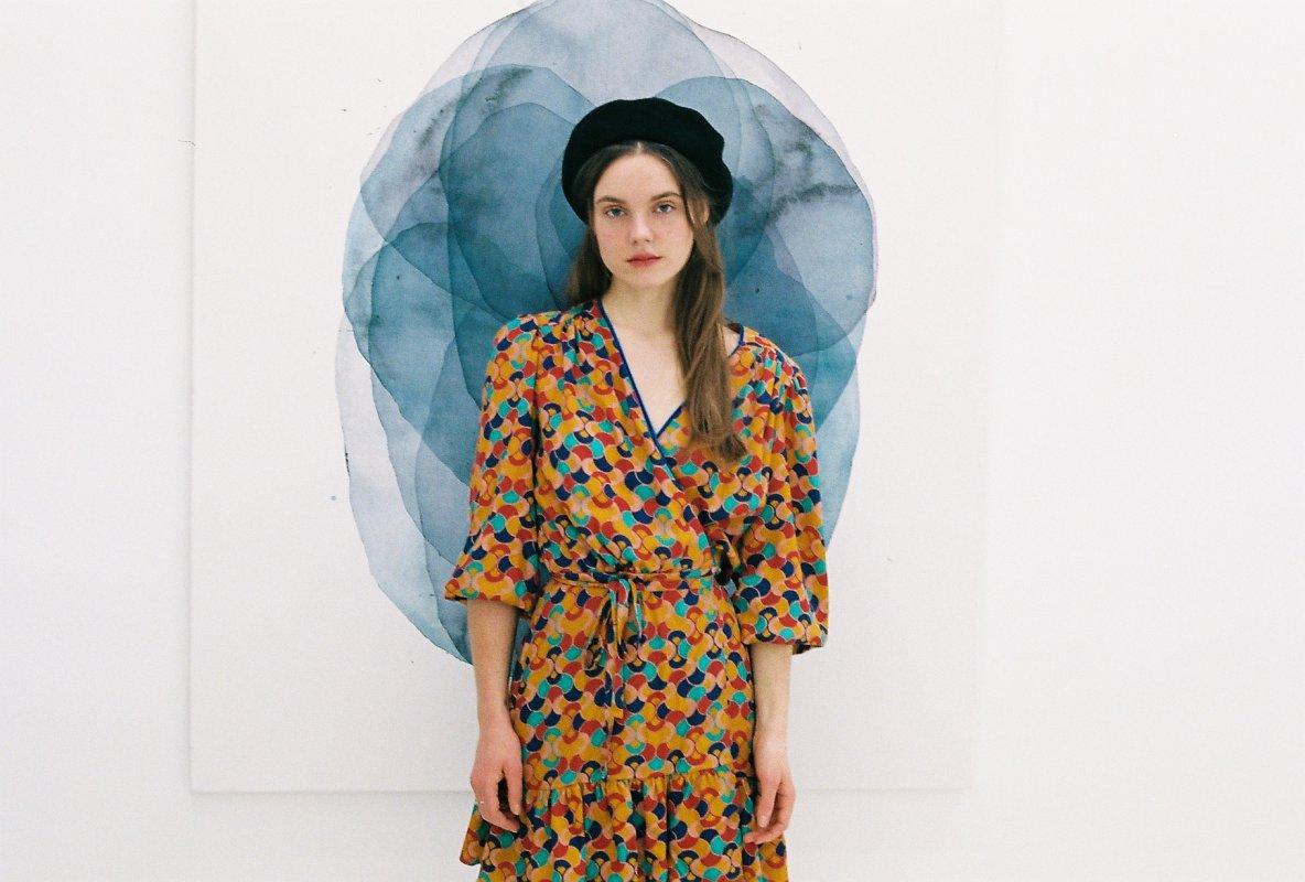 zavinovací šaty mnoha střihů, barev avzorů, to vše vás čeká vnové kolekci