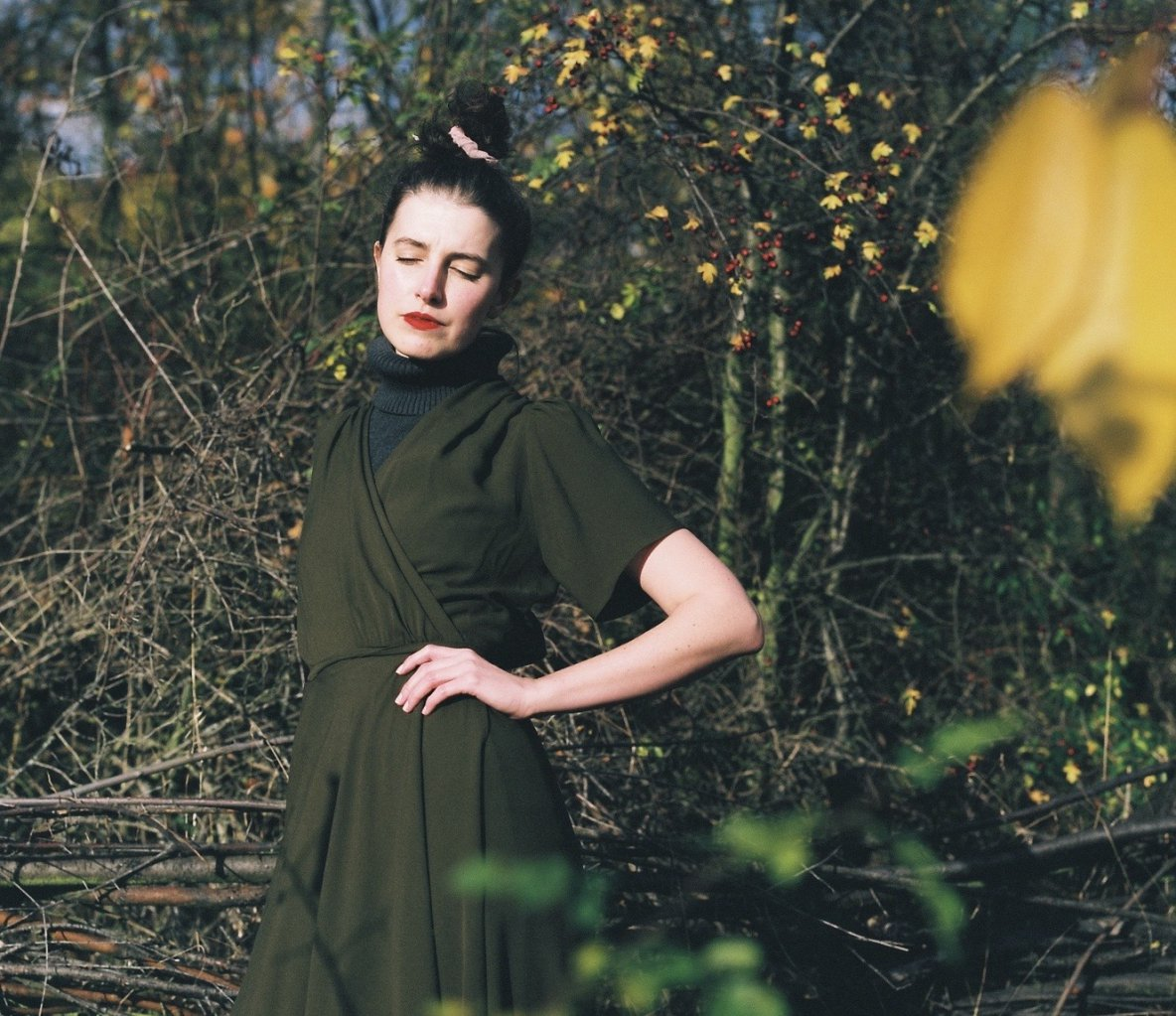 hedvábné zavinovací šaty Hagar